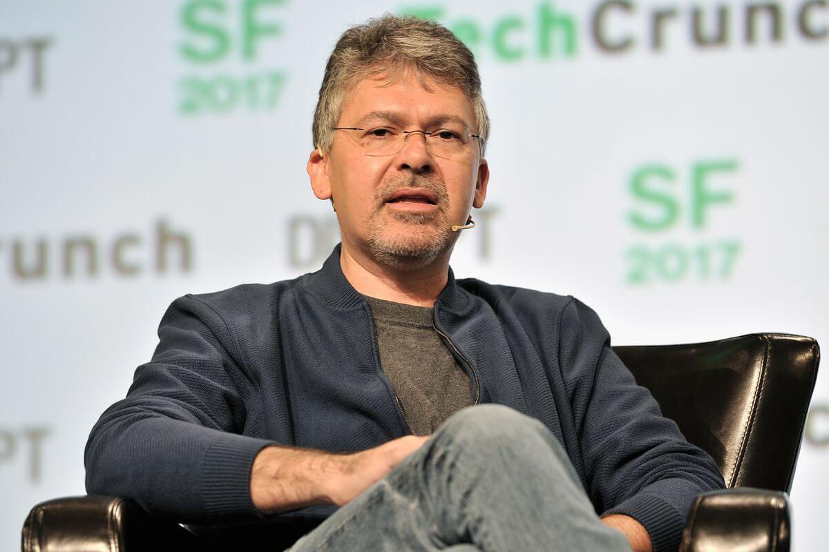 John-Giannandrea-Joined-Apple-to-Improve-AI-Technology